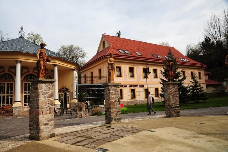 075 – Sklené Teplice – kúpele – Emília Kumpfová – 22.04.12 (02)